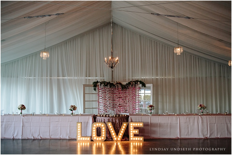 Table LOVE Sign Chandeliers