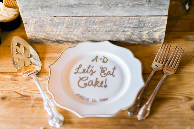 Reverie Gallery Simple Country Wedding Rentals Wooden Boxes Vintage Cake Plates 2 - Simple Country Weddings & Reverie Gallery Simple Country Wedding Rentals Wooden Boxes Vintage ...